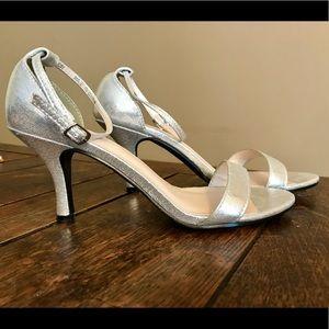 David's Bridal silver heeled sandals size 7M